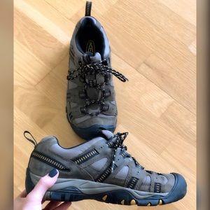 Keen Siskiyou Waterproof Men's Hiking Sneaker